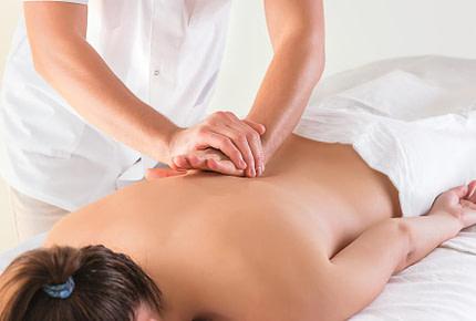 Massaggi decontratturanti a Como presso ReveZone.